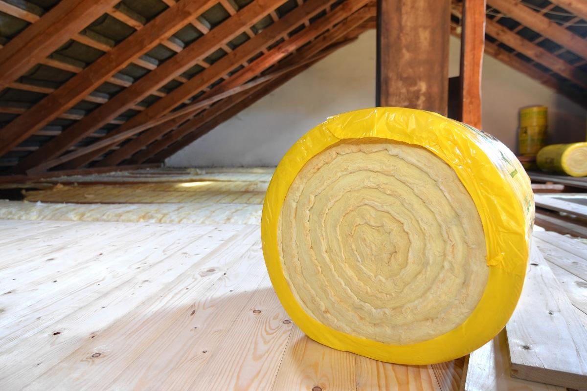 Combien coûte l'isolation de la toiture ? Techniques, matériaux et prix